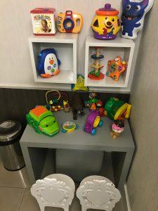 Brinquedoteca com espaço lúdico para as crianças.